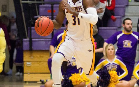 Men's basketball sweeps Oral Roberts on the season