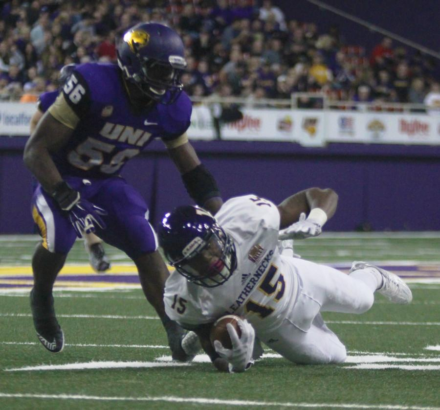 J'Vaughn Williams gets a critical first down for the Leathernecks late in the game. This was Williams' lone reception in the game for 14 yards.