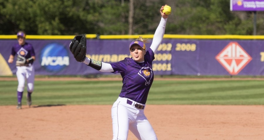 Freshman+Emily+Ira+has+struck+out+99+batters+in+her+first+season+with+the+Leathernecks.