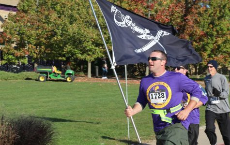 Macomb takes part in  Fallen Soldiers 5k
