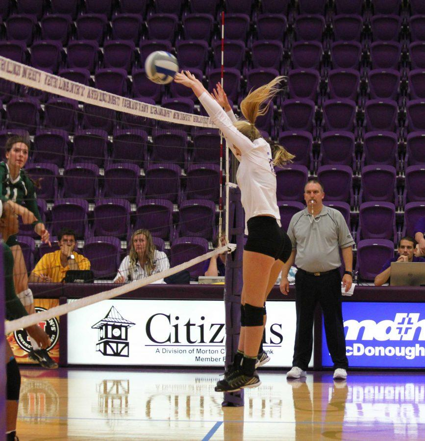 Volleyball falls in home match to Oral Roberts – Western ...