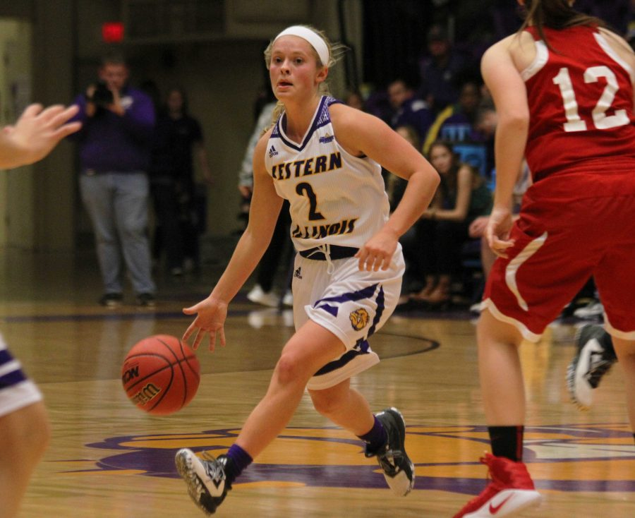 Point guard Emily Clemens scored 23 points to lead the Leathernecks to a 91-77 win over Bradley.