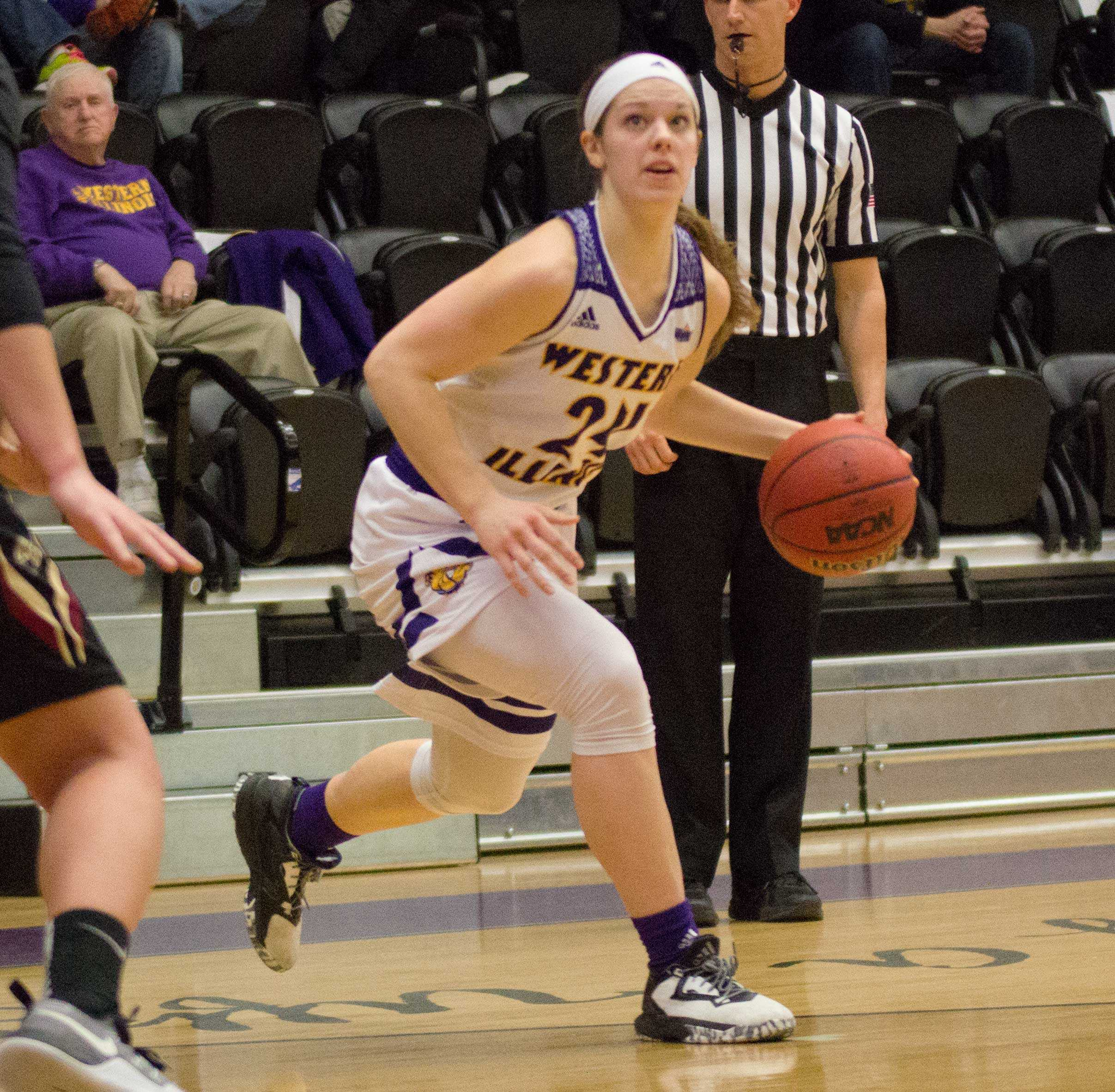 Sophomore Taylor Higginbotham goes 6 for 17 from the field in 35 minutes during Saturday's game.