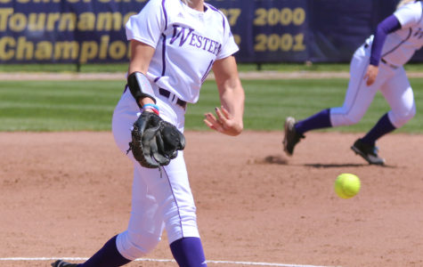 Softball drops first Summit series to Bison