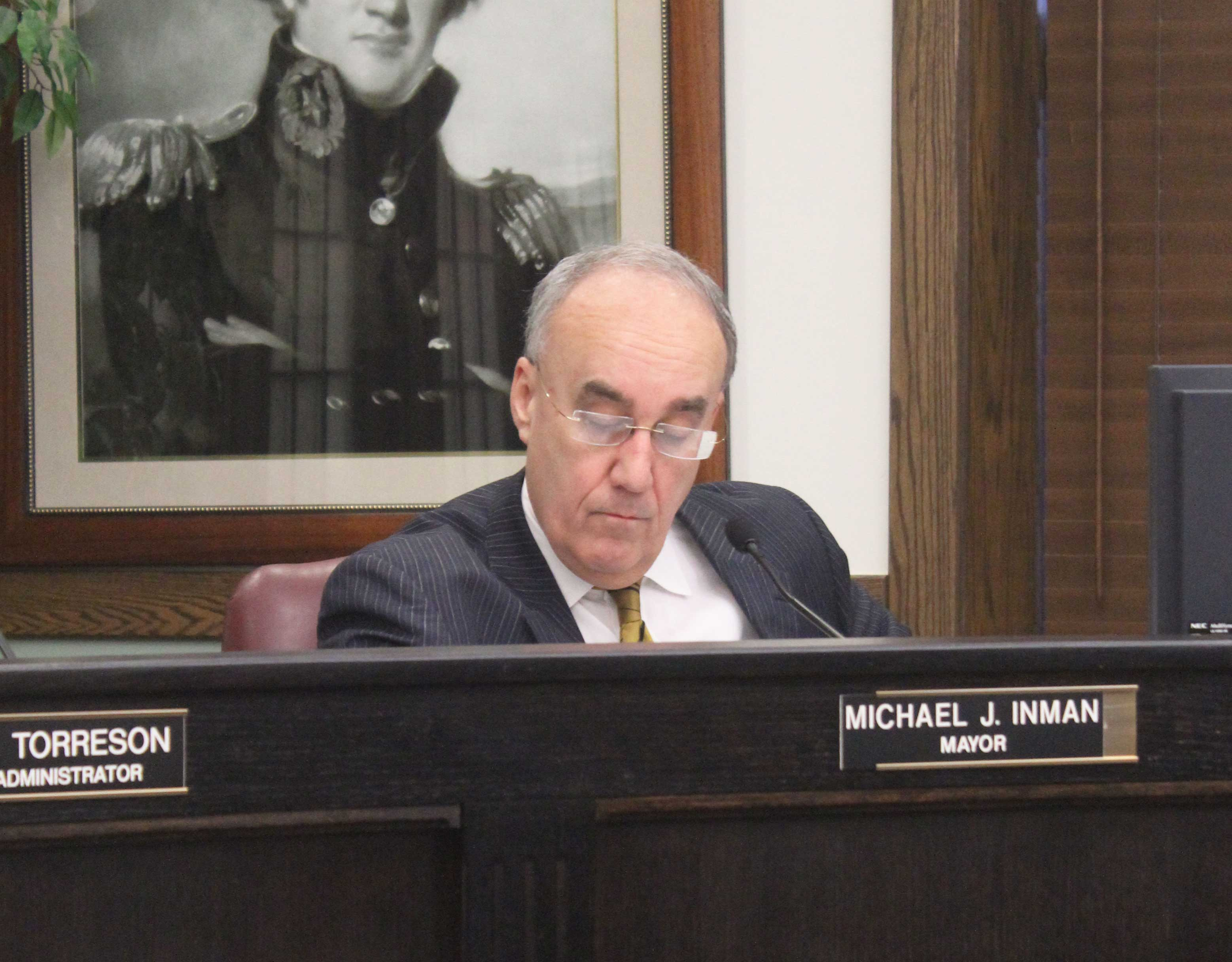 Mayor Mike Inman discusses the upcoming fiscal year at the Macomb City Council meeting on Monday night at City Hall.