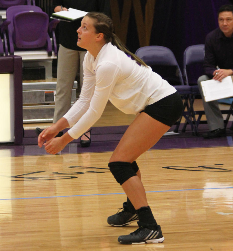 Shalyn Greenhaw lead the Leathernecks in kills in home match against Billikens.