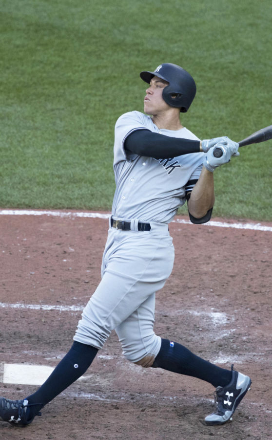 Yankees outfielder Aaron Judge swinging for the fences.