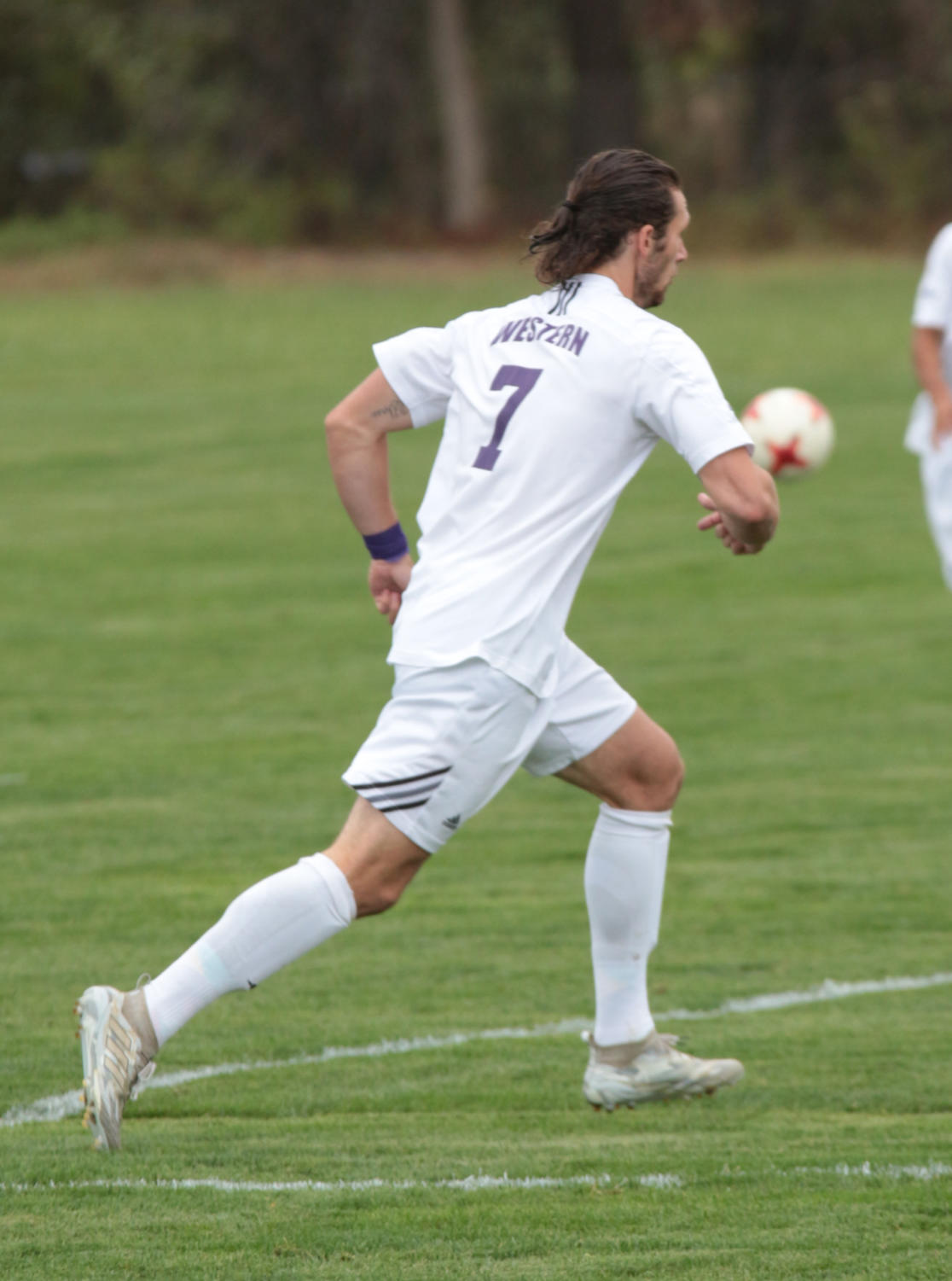 Drew Whalen in position to receive the ball.