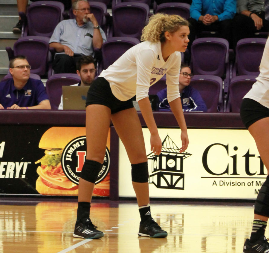 Shiah+Sanders+awaits+the+ball+in+a+home+series+at+Western+Hall.