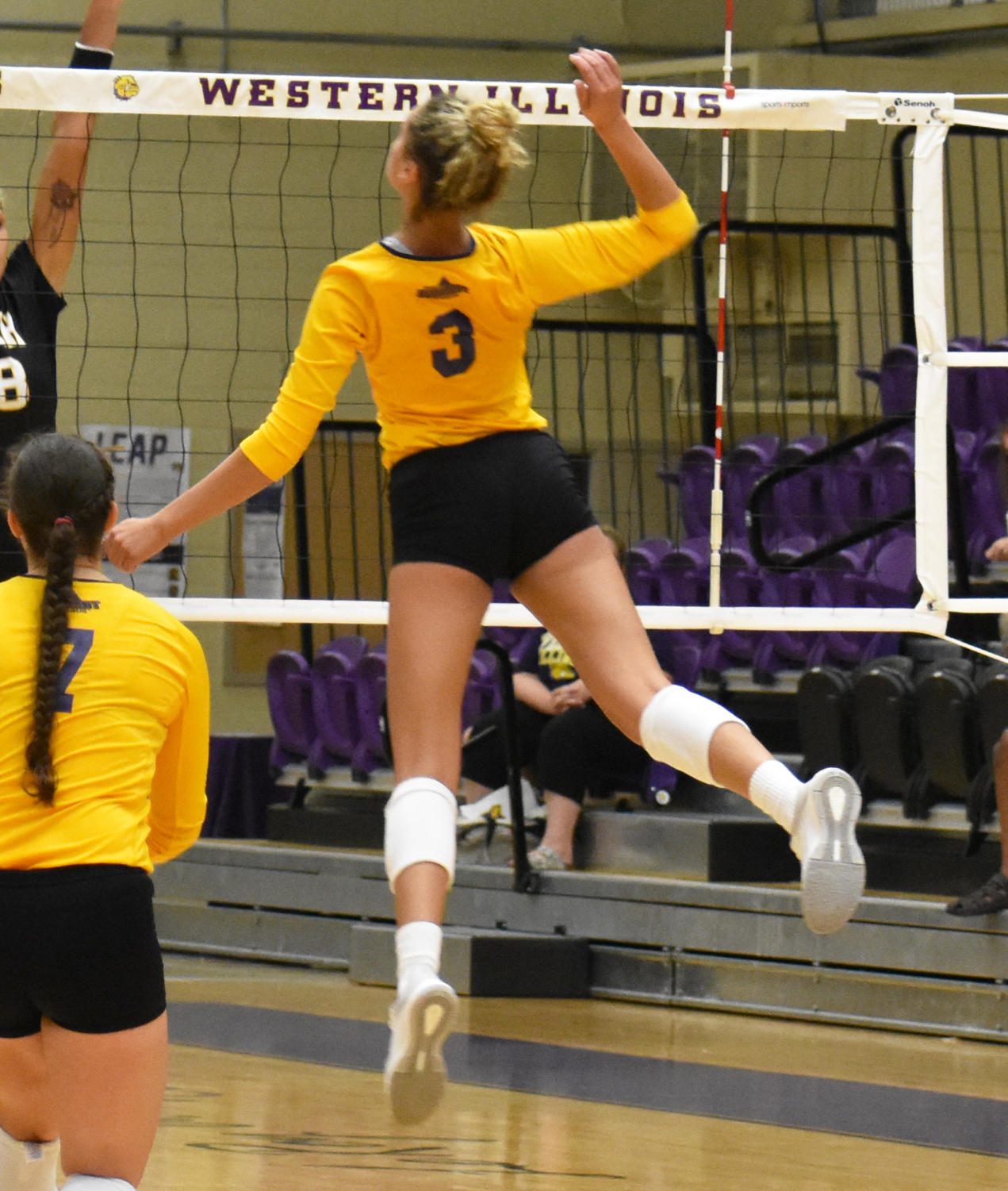 Shiah Sanders goes up for a kill.