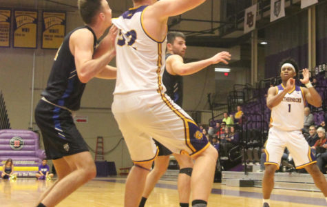 Men's basketball tries to win back to back