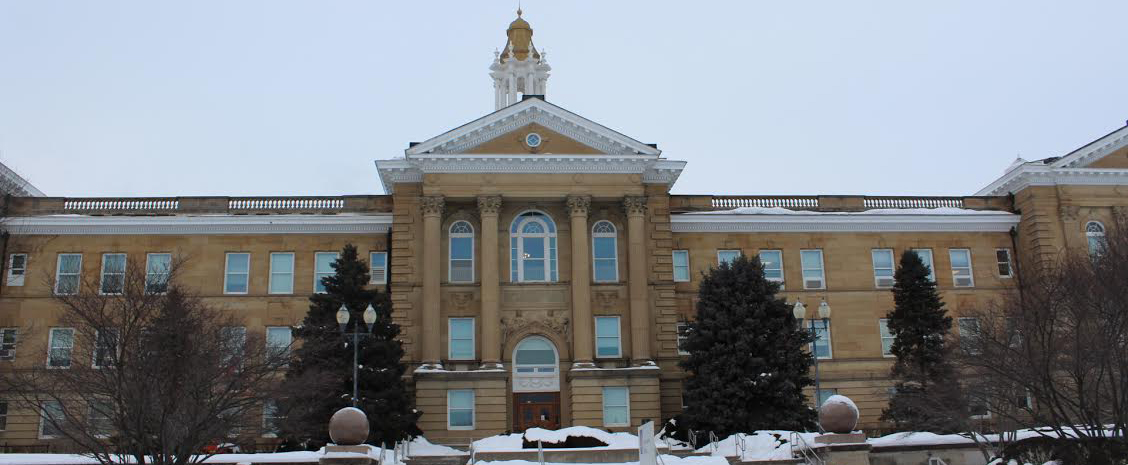 Western+students+returned+to+classes+Thursday+after+Wednesday%27s+school+closure+due+to+weather.