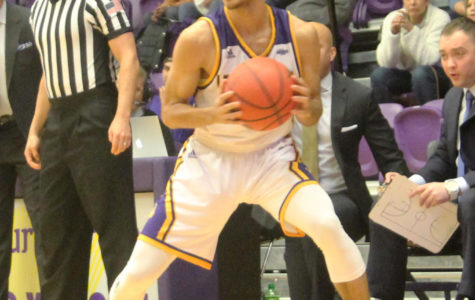 Men's basketball look to end cold spell at second place Omaha