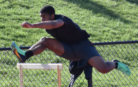 Track and field look forward to outdoor season opener at Southern Illinois